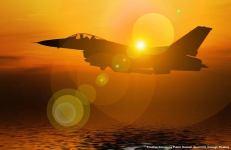 Un caccia-bombardiere americano F-16