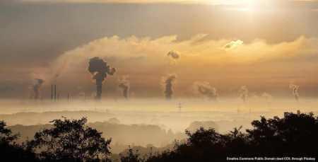 La Cina ha enormi problemi di inquinamento, che colpisce anche le fonti idriche. Tutto cio' non potra' non avere effetti sull'economia e sulla dottrina strategica e geopolitica cinese