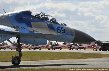 Un caccia SU-27. Nei cieli si sta gia' ripetendo la guerra fredda, con aerei russi ed occidentali che ripetono le manovre di alcuni decenni fa