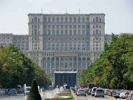 Il parlamento della Romania. Come in tutti i paesi democratici, le leggi possono cambiare anche radicalmente