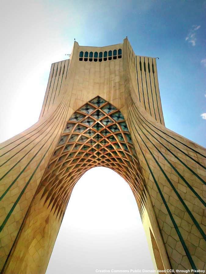 L'Iran ha bisogno di nuove strade e rotte - sia per l'export che per l'import
