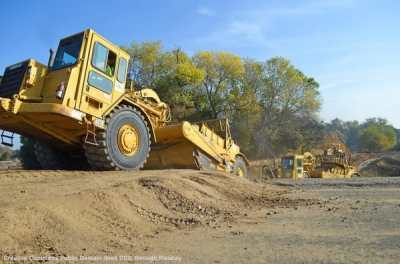 Macchine movimento terra per realizzare infrastrutture