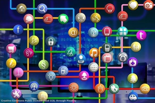 Internet e social networks sono basilari per l'internazionalizzazione del turismo. Il turista - specie se internazionale - si affida sempre piu' al web
