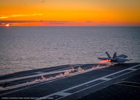 L'Europa e' spesso andata a rimorchio della politica estera americana, che pero' fa un forte affidamento sulla forza militare. La Marina USA e' uno dei principali strumenti geopolitici