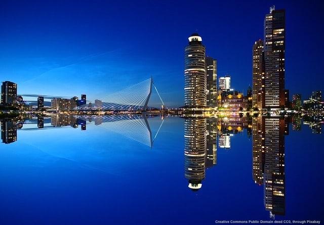 L'importanza delle rotte marittime per l'export e' evidente. Il porto di Rotterdam