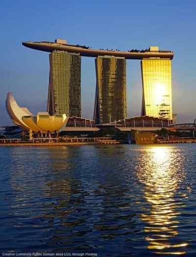 Singapore. Tutte le grandi citta' costiere - e porti - sono vulnerabili, ne tenete conto quanto pensate a internazionalizzare?
