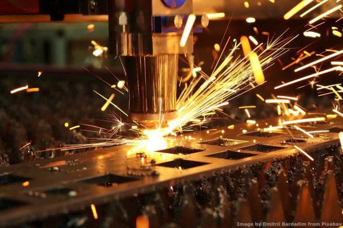 Seguo anche Industria 4.0, perizie incluse. Questo deriva dalla mia estesa esperienza - anche estera - in macchine ed impianti industriali