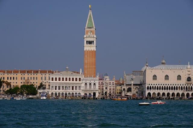 Un pacchetto che offre Venezia, terme ed un soggiorno piacevole e' spesso irresistibile per il turista internazionale