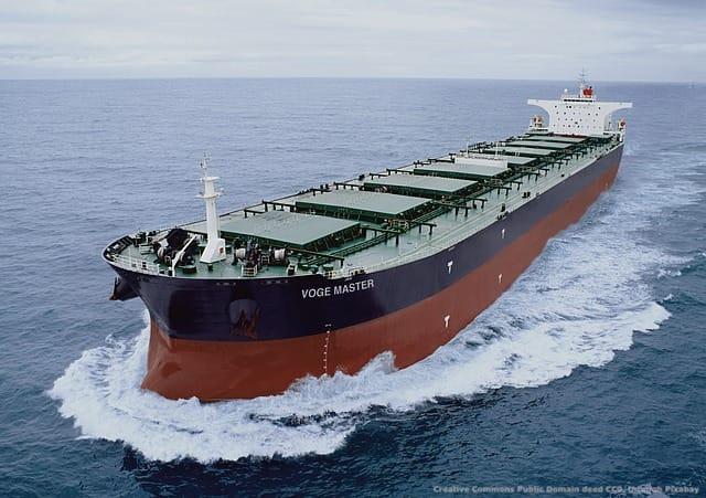 Una petroliera - i rischi geopolitici per i mercantili sono elevati nell'area del Golfo Persico