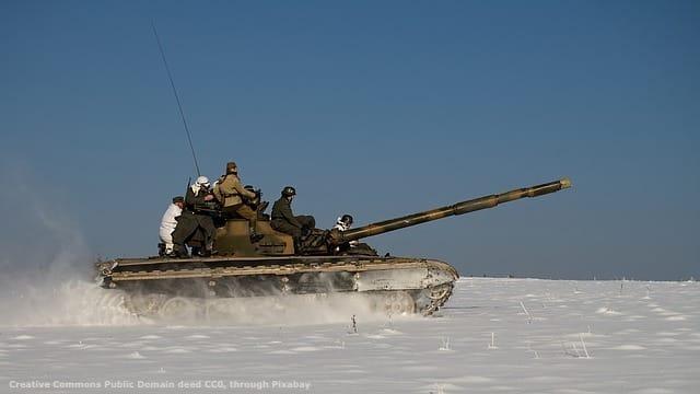 Un carro armato russo. La strategia Occidentale nell'estremo Nord Europa e' basata su considerazioni geopolitiche fondate. Tuttavia, la NATO non e' asolutamente in grado di affrontare la Russia in quel teatro. Sarebbe quindi consigliabile una politica piu' moderata