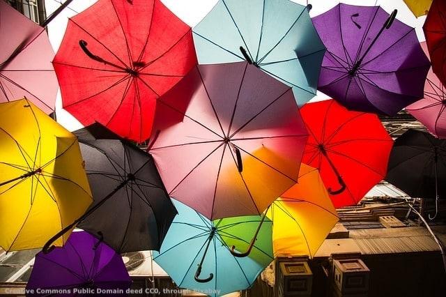 Cosa c'e' dietro gli ombrelli colorati? E' cosi' alcune societa' di consulenza di internazionalizzazione per le imprese dipingono il mercato estero